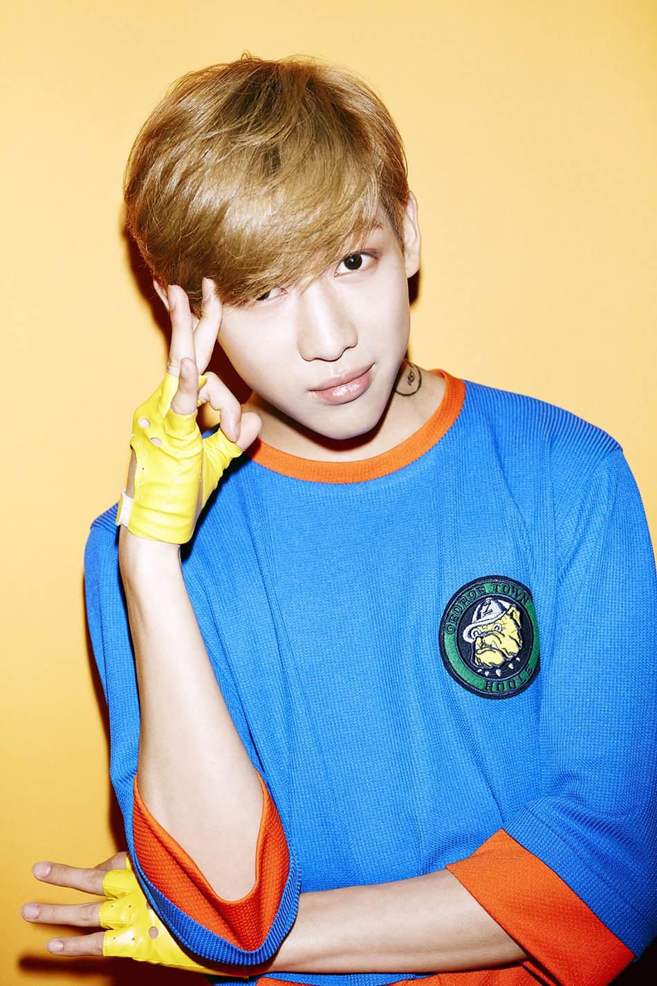 雖然現在泰國籍的韓團偶像成員有很多,但大家應該都知道JYP娛樂的GOT7裡面,有一個成員Bam Bam是泰國籍吧!?而且他跟Lisa還是舊識唷~