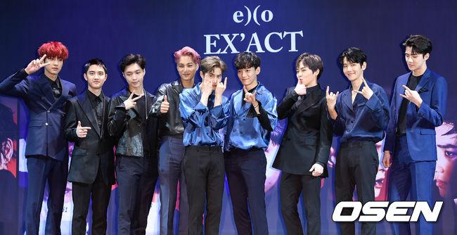 EXO 也在今天(8日)早上舉辦《EX'ACT》回歸記者會。