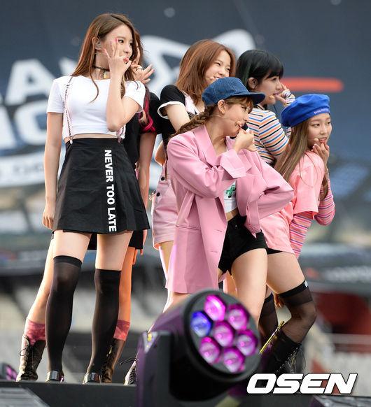 權恩彬(권은빈)也加入CLC,站上今年 Dream Concert 的舞台了!真的達成夢想了呢!