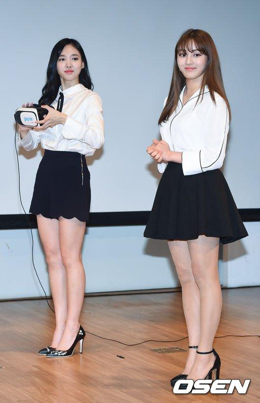 娜璉與志效出席活動的打扮!!!是不是跟平常穿著TWICE打歌服的她們很不一樣?!