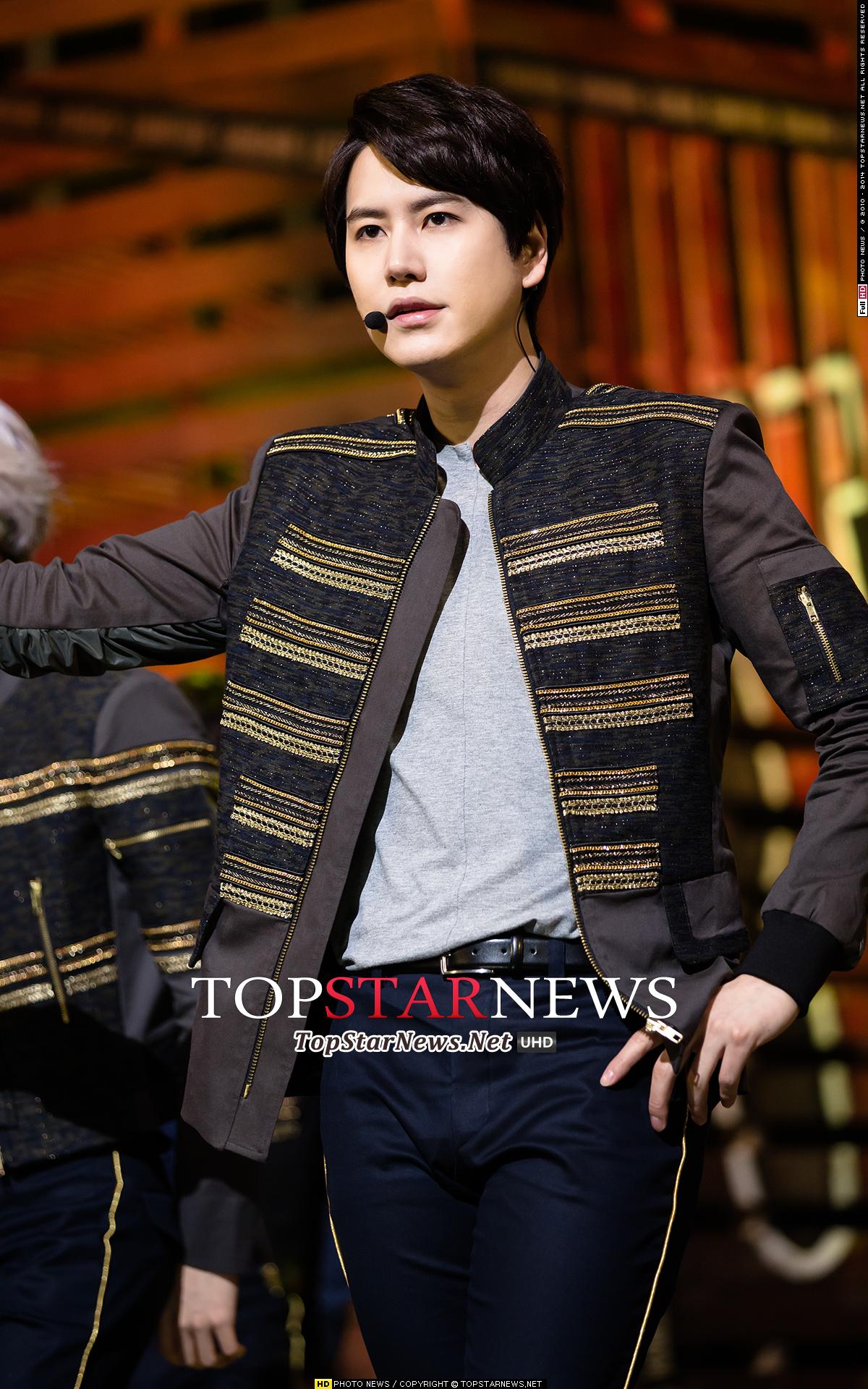 ♥ Super Junior 圭賢(규현)  「SJ 的主唱圭賢也是賢 Line 的成員啊!」、「看過一場他主演的音樂劇後,就會被他的歌聲吸引。」、「圭賢的聲音很渾厚,非常有辨識度也很好聽。」