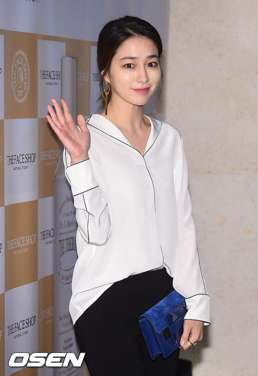 大家知道演員李珉廷嗎~~~?前陣子與Rain合作SBS《回來吧大叔》演技備受觀眾肯定~~