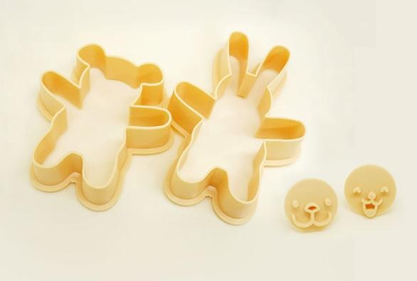 當然了~ 還有可愛的小熊餅乾工具ლ(°◕‵ƹ′◕ლ)