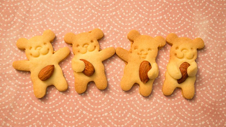 我們是可愛的小熊四人組 杏仁是我們的最愛...♬