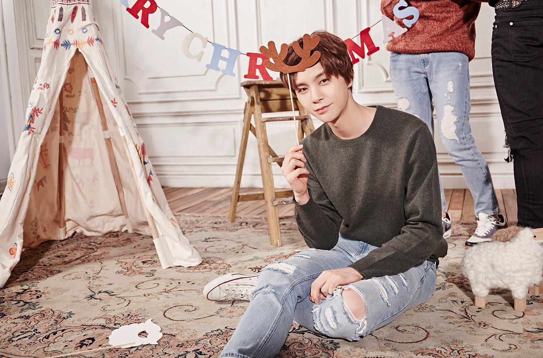 目前他屬於 SM 娛樂 Pre-Debut Team「SM ROOKIES」的成員,不僅舞蹈實力堅強,還會彈鋼琴。