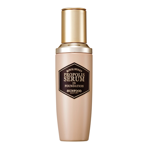 ▲Skin Food propolis serum in foundation 韓幣兩萬八千元 約台幣777元 這款非常滋潤,但是粉感卻不會厚重,非常適合乾性肌膚!畫出來的底妝相當薄透。