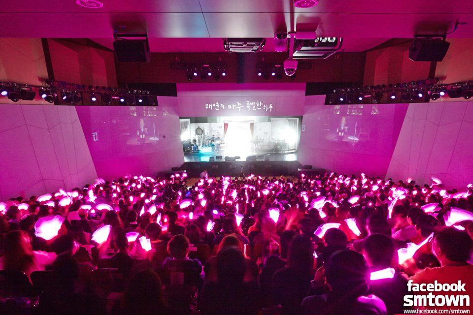 韓國偶像粉絲有自己的應援色,粉絲也有自己的官方名稱