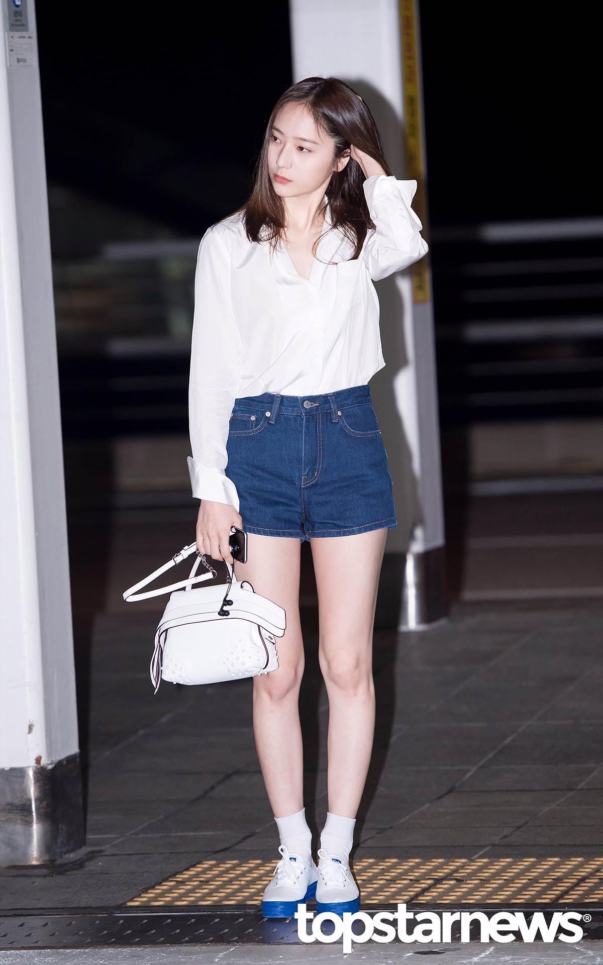 No.1 f(x) Krystal 雖然剛才公佈的前2名都是身高170開始跳!但是要說韓國女生覺得身材最好的明星,還是在類似排名中總是能搶進前3的Krystal莫屬!