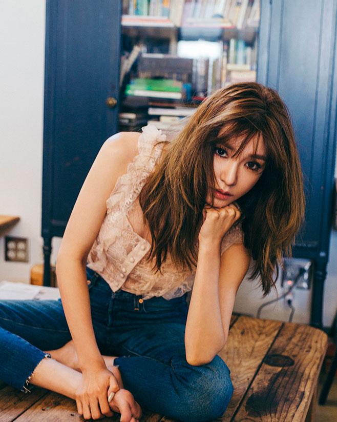 在實體唱片銷量上,剛公布了潔西卡排行第3,Tiffany則以約5萬7的銷量排名第5~(第4是I.O.I)