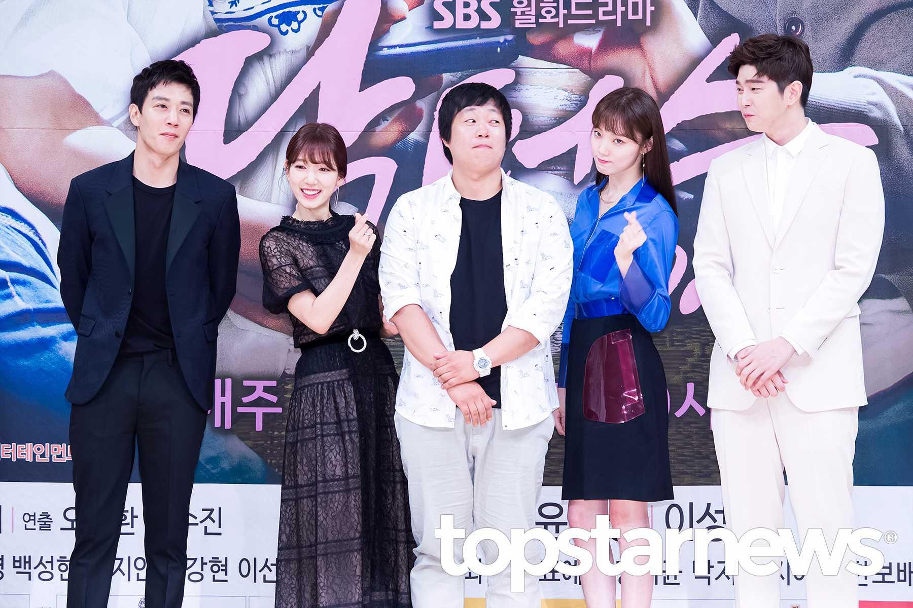 15日,朴信惠、李聖經、金來沅、尹均相等主演人員,出席了將在6月20日起播出的SBS月火連續劇《Doctors》的製作發表會