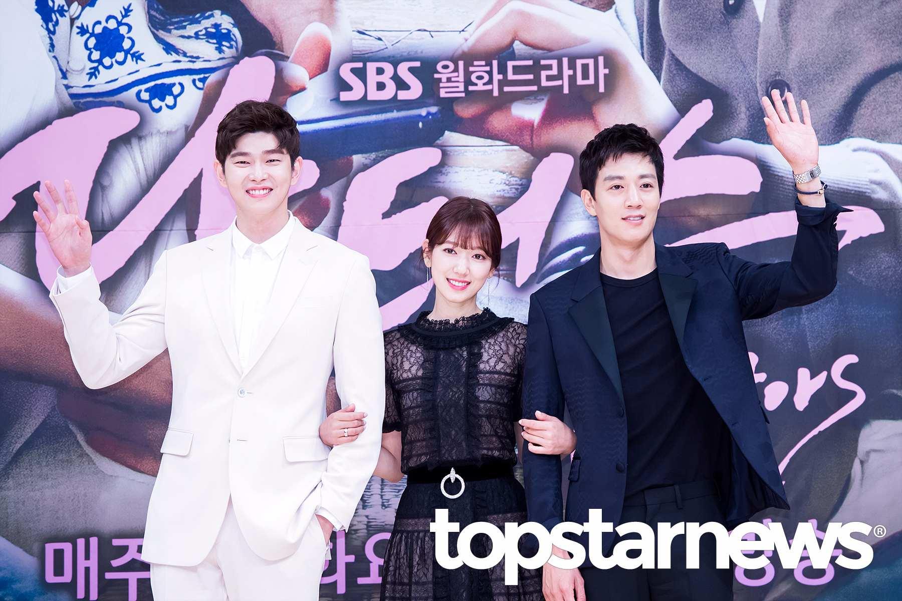 而且朴信惠都常常跟很高的男演員合作耶,站在金來沅、尹均相旁邊馬上又變拇指公主
