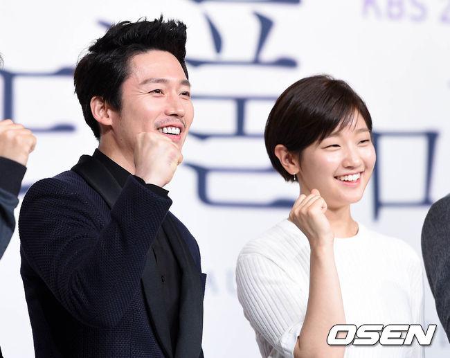 然而墊底的戲劇則是由張赫、朴素丹所主演的《Beautiful Mind》,全國收視率僅有4.5%…ㅠ.ㅠ