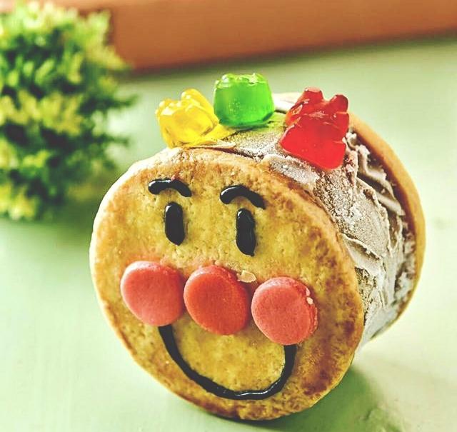 麵包超人也太可愛了吧,誰捨得吃啦(先拍300張照片!)