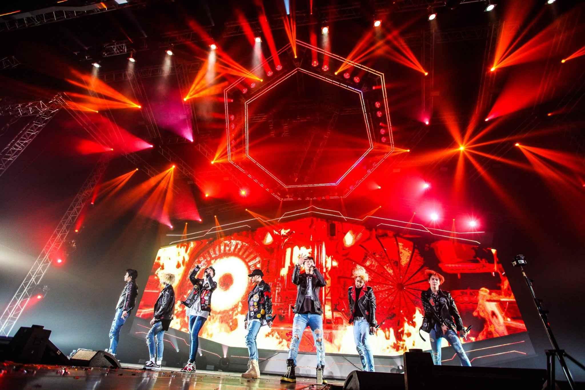 光看銷量就知道GOT7在韓國人氣有多旺,所以雖然下半年度沒有出片計劃,但GOT7依舊沒有閒下來,日前在泰國、廣州等地接連展開單獨演唱會,據說票也是光速售光!不難感受到GOT7在海內外的魅力~
