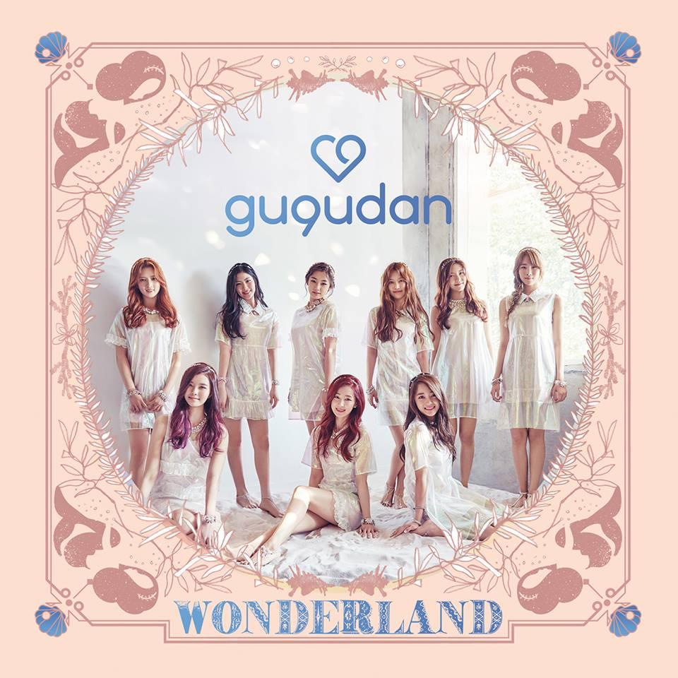 再來就是將在6月28日出道的新女團gugudan,有I.O.I成員康美娜、金世正的加入,要想讓人不先注意她們也很難,也因此她們站中心的機會估計也非常大