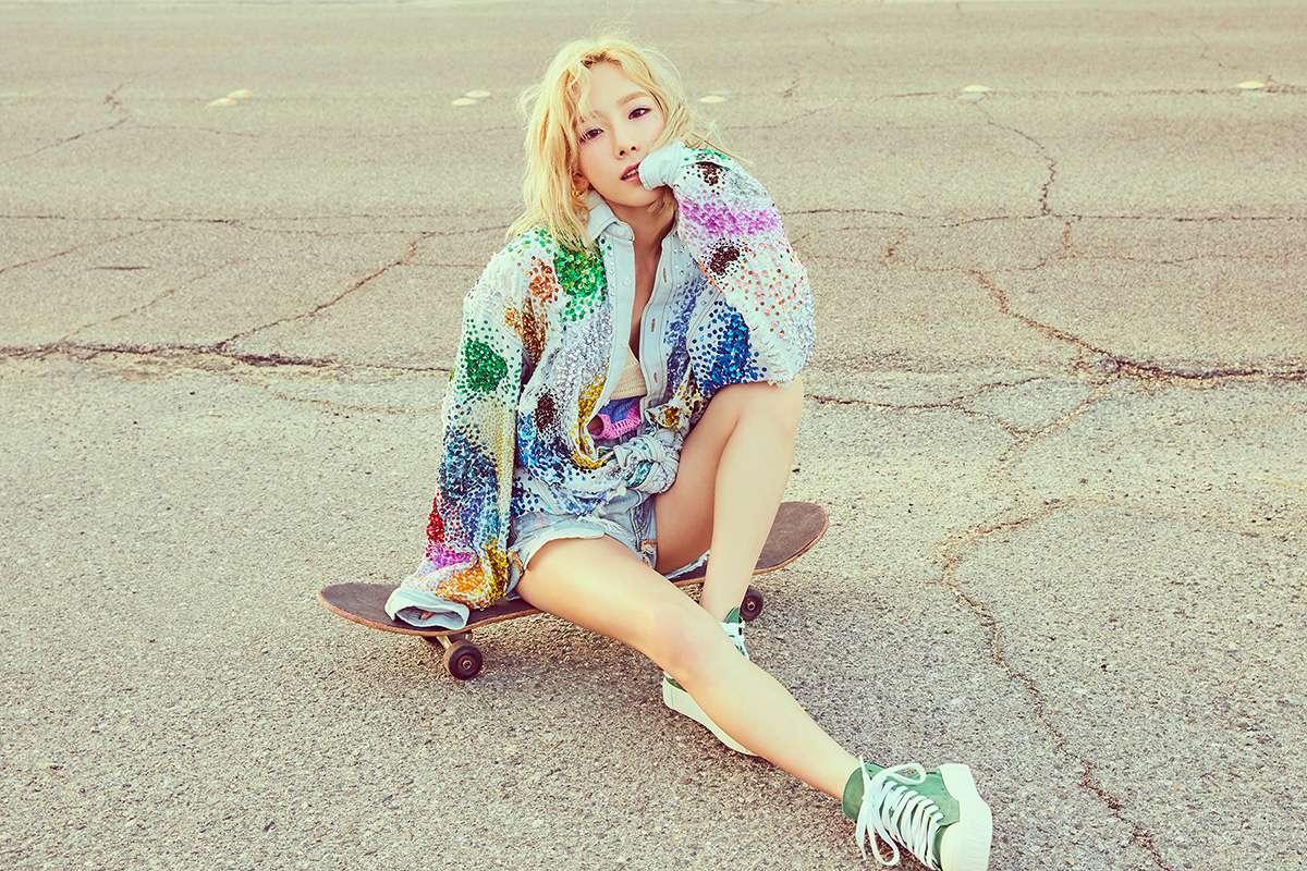 而且還跨刀參與太妍這次的新專輯《Why》的收錄曲《UP&DOWN》的演唱,孝淵充滿力量的Rap和太妍乾淨卻有Power的歌聲,將為粉絲帶來超乎想像的音樂感受!(少女時代成員們之間的友情崔勾!!)