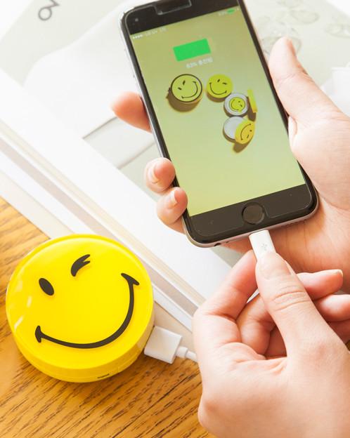 附帶蘋果8pin轉換頭,蘋果手機和安卓手機都可以使用。