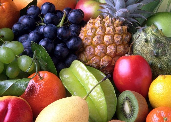 ☂ 水果 游泳健身後,當下不要吃油膩容易飽腹的東西,吃一些口味清淡的水果最好不過,可以吃一些低糖分的黃瓜、櫻桃、蘋果等補充一些能量。
