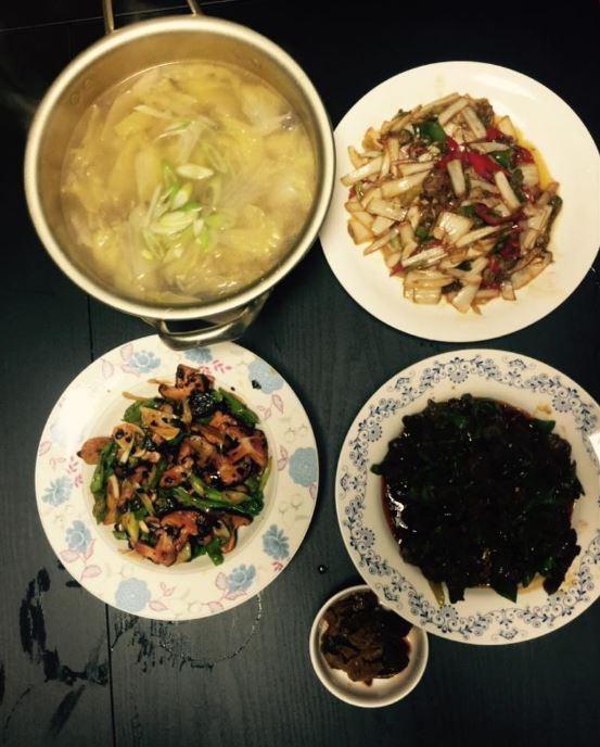 來自中國的曹璐擁有一雙好手藝,擅長料理的她曾在instagram上,分享了自己和好友Jia做的料理!