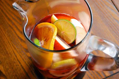 是不是超簡單、超隨興,所有東西都可以依自己喜好調整! 其實飽兒覺得,就水果+氣泡水(另外用果汁做調味)就很好喝了耶♡♡♡