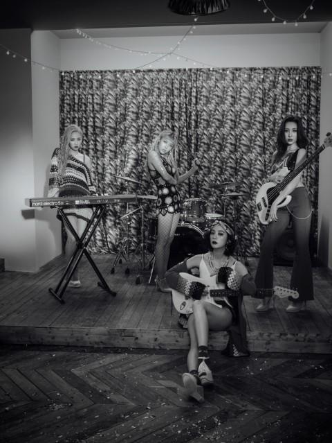 這次的單曲中的三首歌,Wonder Girls的全部成員都參與了作詞作曲的部分,並繼續上張專輯的模式將樂團風格融入在這次的新單曲中