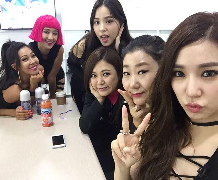 Jessi最近除了創造出女團Unnies的節目《姐姐們的Slam Dunk》以外,也參與了JTBC的綜藝節目《認識的哥哥》