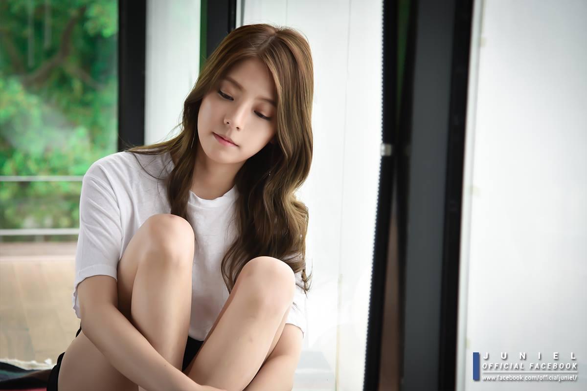 在最近solo歌手太妍、白藝磷、白娥娟等實力派歌手紛紛回歸的時間點,以自創曲為重心的Juniel令人期待(小編+1)