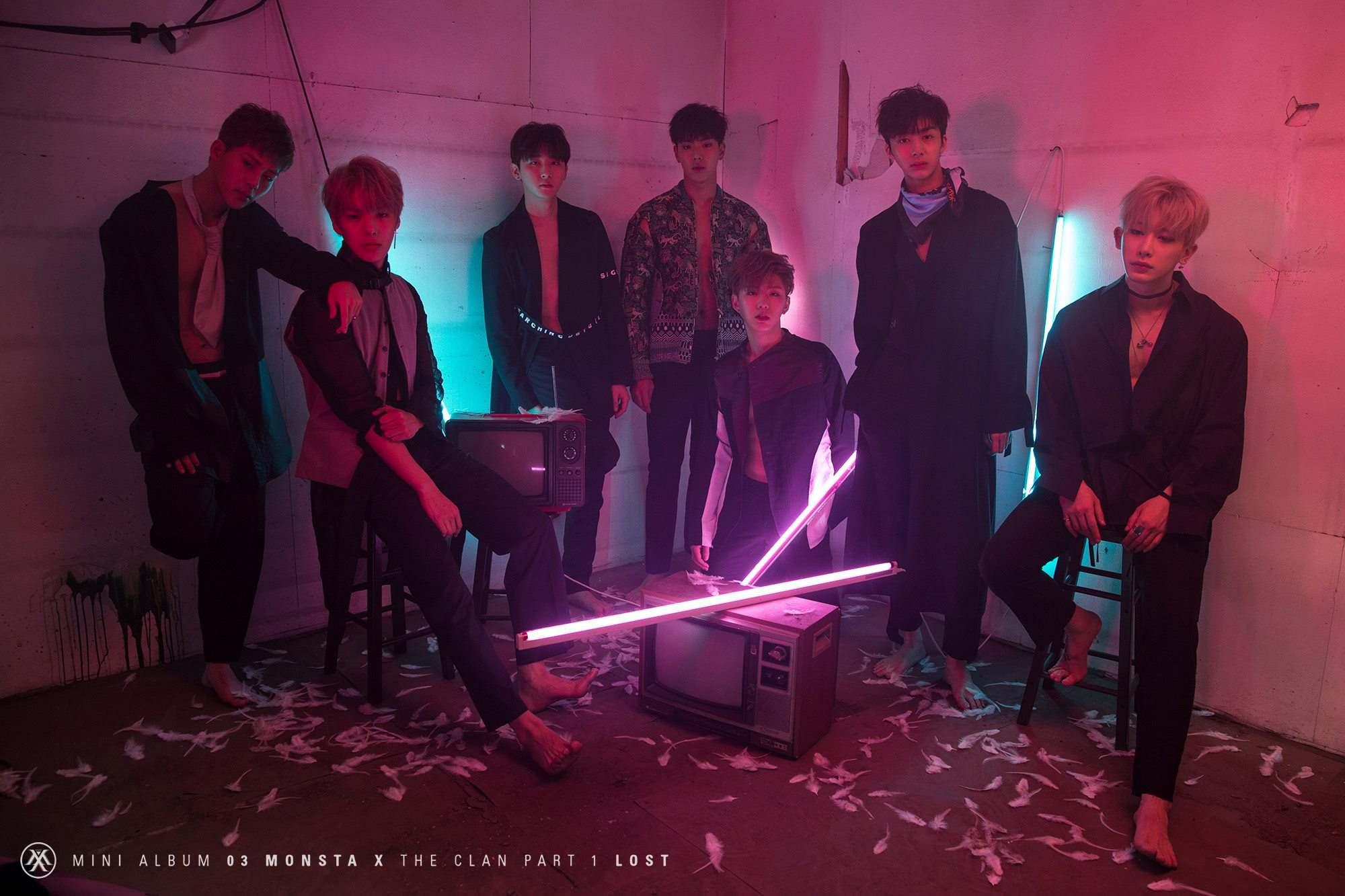 ★MONSTA X 出道日期:2015年5月14日 成員:Shownu、元虎、玟赫、基賢、亨源、周憲、I.M