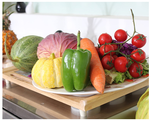 美白秘訣②:維生素攝取對皮膚至關重要 維生素A、維生素C和維生素E是美白的關鍵,不僅可以調節人體的身體機能和免疫力還能改善體內皮膚組織,抑制黑色素的生成,因此多吃富含維生素的蔬果是非常有益的!