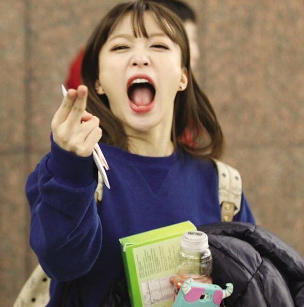 哈妮自從《Up&down》的Fan cam意外爆紅之後,和性感外表很不同的大喇喇氣質讓哈妮深受粉絲喜愛,不只韓國粉絲都笑說哈妮的個性應該要叫「歐巴」才對,就連台灣粉絲也不少人就直接叫哈妮「安哥」