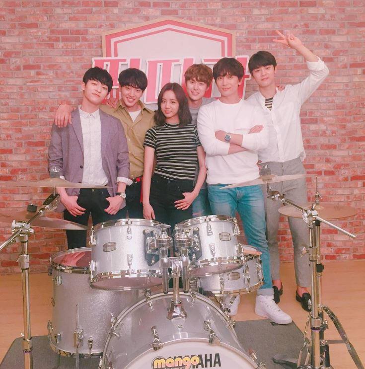 ✿TOP 7- SBS《戲子》 話題指數/集:5,185 ※主要在講述曾經是韓國最大歌手娛樂公司KTOP的理事,現在卻是韓國最不堪入目的新設娛樂公司代表-申錫浩(池晟飾)的東山再起成功史。