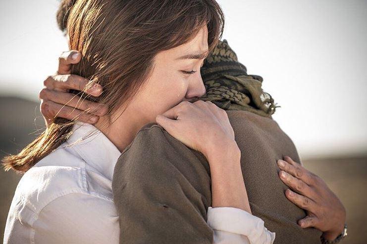 這樣看下來,KBS2共佔了2個名次,tvN共佔了3個名次,上半年看似收視平平的SBS,則有4部戲劇進榜,MBC則僅有1部ㅠ.ㅠ