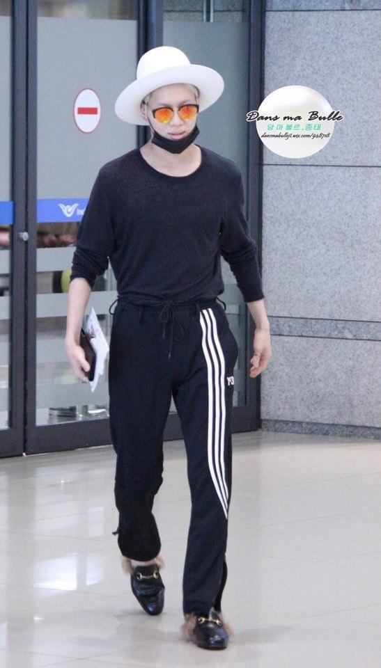 #重點是鞋子  #混搭之神  #這才叫做機場時尚 這一身搭配....哈哈哈哈哈哈哈哈哈哈哈
