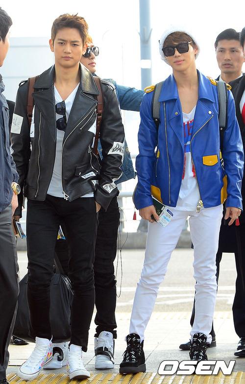 皮衣再次出現! 泰民阿~~~跟著珉豪不要迷路了! (其實我們隊長溫流的機場時尚變遷史更經典~~!)