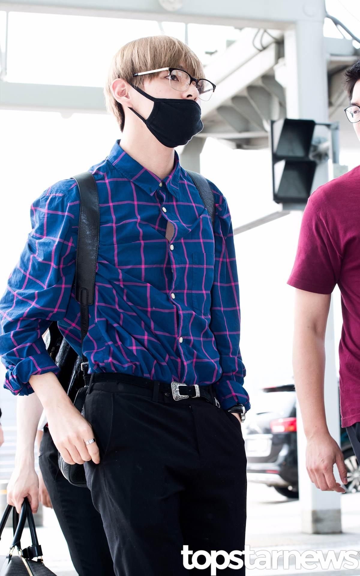 用男友V來跟大家告別~其實大家想看襯衫釦子隙縫中間的...吧?(歪頭 不知道大家還知道誰的襯衫LOOK很棒可以分享給PIKI呢?