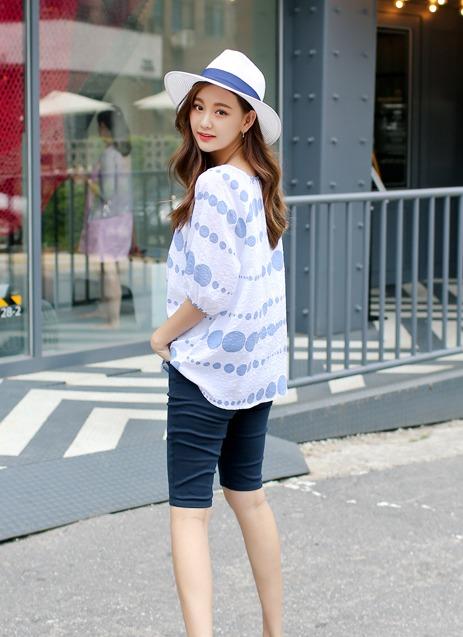 藍X白的單品簡單穿就能穿出自己的風格和質感