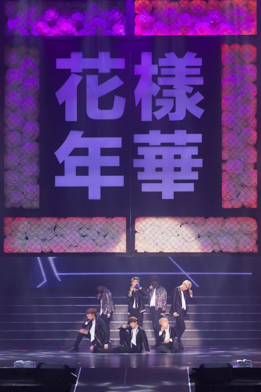 日本演唱會更是賣到翻,連站位都賣完!! 菲律賓、泰國則是在開票5分鐘內2萬張票全部賣完!