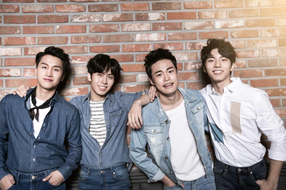 由朴章賢、朴賢圭、李燦東、李賢碩(名字為音譯)組成的四人美聲男團,在出道之前他們四個人曾經是現在韓團的教唱導師、唱過繼承者的OST<Love Is…>,<兩個人>、有和各種歌手合唱經驗的人,是具有豐富的實力與經驗的團體