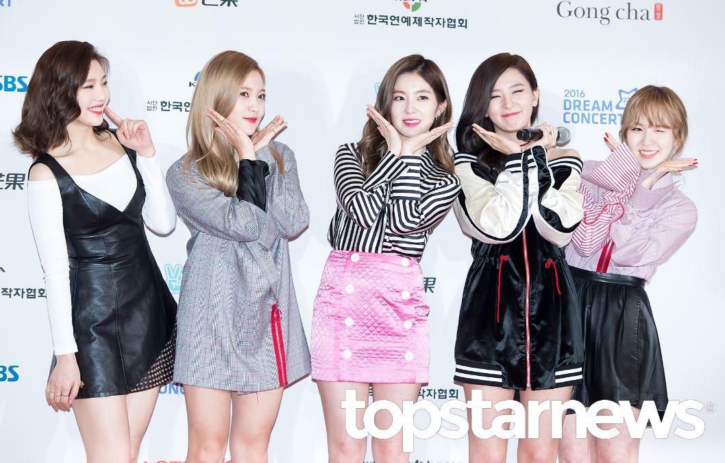 最後也希望Red Velvet在準備回歸之餘,也不要太操勞,適度休息和吃飯真的最重要啊!!!