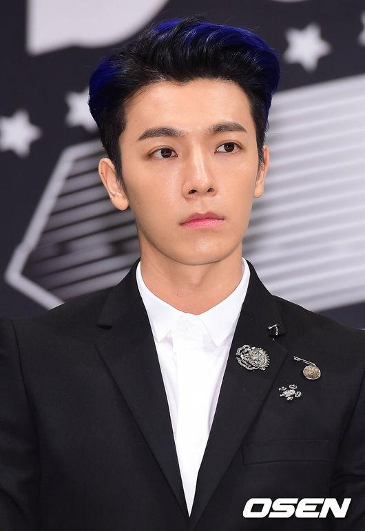 Super Junior - 東海 「東海發呆時候的表情完全一模一樣阿~」