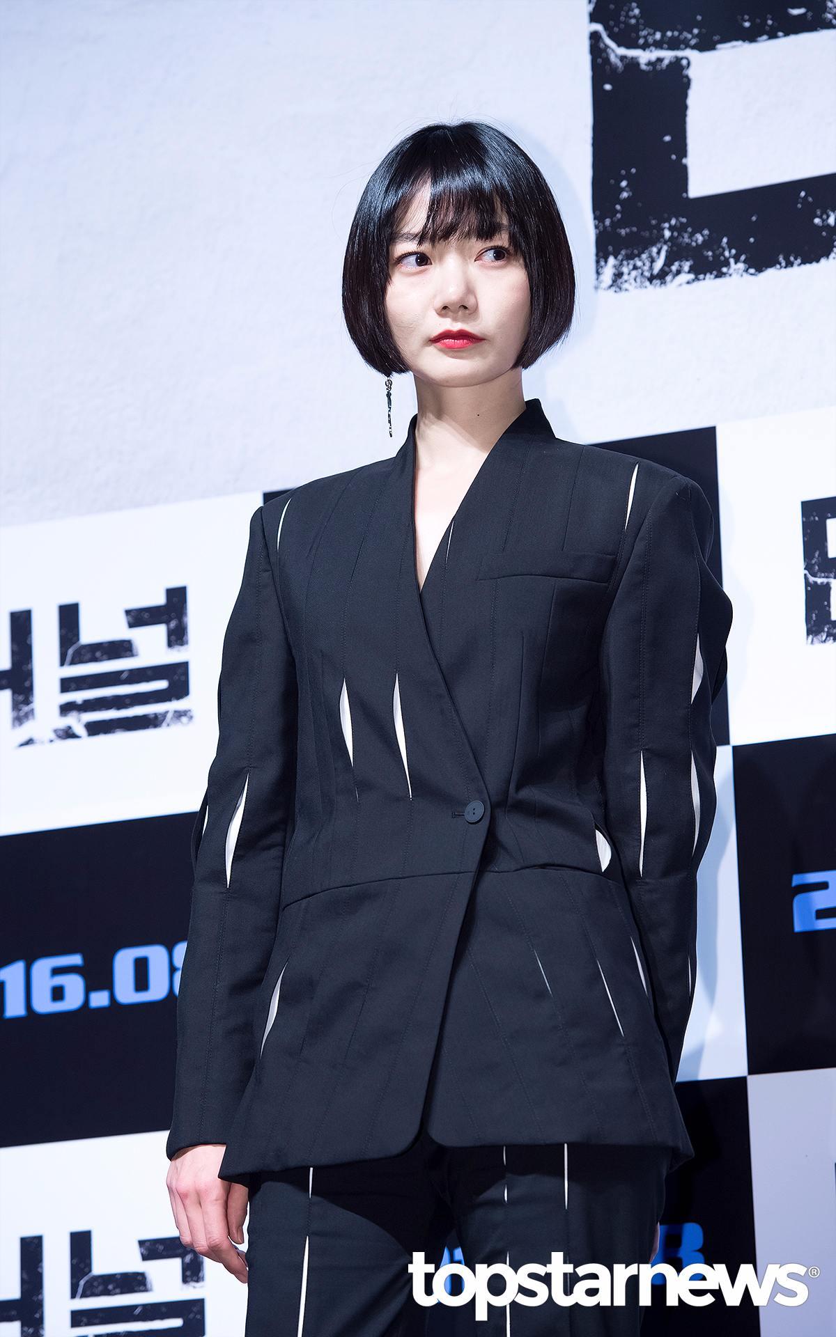 演員裴斗娜的短髮其實跟Eunha很像,只是造型不同,演繹出來的風格也大不同。