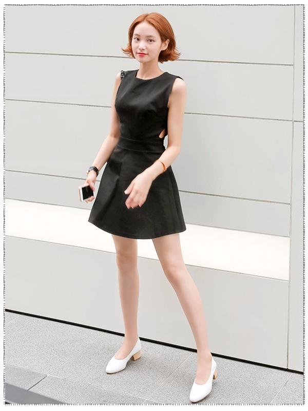 黑色裙裝絕對是辦公室女孩不可錯過的萬能選擇!一件衣服可以滿足你上班、聚會、逛街等所有穿著需求~