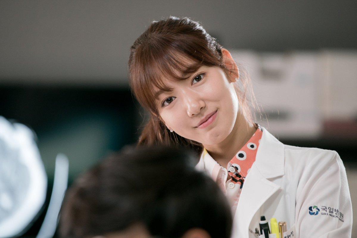 《Doctors》從開播到現在,受到許多劇迷的喜愛,好評也接續不斷,收視率更是證明了這部戲劇的成功!