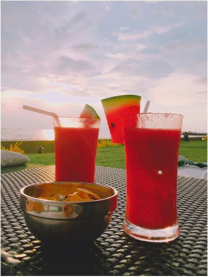 夏天絕對要吃的水果,西瓜汁~~~!!尤其娜恩SNS上面的食物照片,很多都是水果照!根本就是水果妖精...