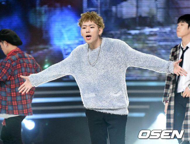 偶像界的金手 Zico! 身為Block B的隊長兼Rapper,他的創作能力可是連韓國樂迷們也豎起大拇指!