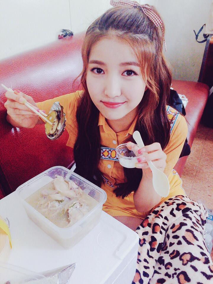 希望Sowon有像這樣天天好好吃飯阿~