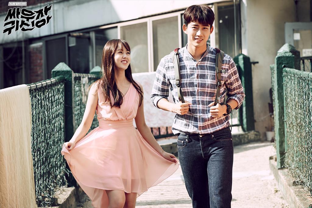 殊不知在《Doctors》之後的韓劇,各個也都開始是神進展!繼《Oh 我的鬼神君》之後,tvN推出的第二部納涼電視劇《打架吧鬼神》,在第一集就親啦~~