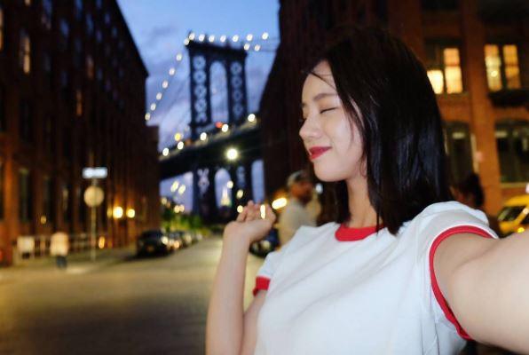 Girl's day惠利參加MBC《真正的男人》女軍特輯大紅,更接下許多個人廣告代言。《請回答1988》成為2016年模特兒界的新寵兒,繼秀智後被封為百億少女!