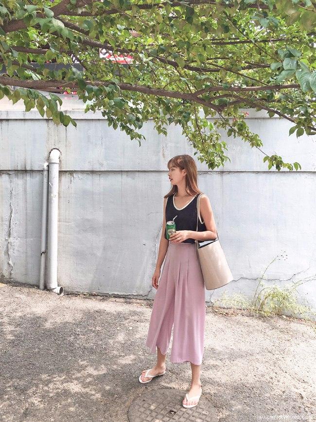 ◇糖果色更有少女味 櫻花粉在夏天特別受可愛韓妞的歡迎。
