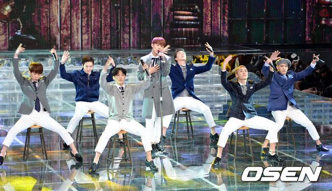 但沒想到對韓國網友來說,提到BTOB第一個會聯想到的單字竟然是【紅色內褲】…由來想必Melody們都知道,就是上一次旼赫在音樂節目上跳 《it's ok》的時候太激動,一開腿西裝褲就爆炸露出了紅色內褲